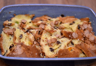 White Chocolate Bread & Butter Pudding | thehecticcook.com