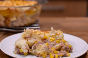 Cheats Tuna Pie - a really simple dish that goes down well with the kids | thehecticcook.com