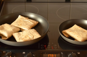 Quorn Chilli Burrito | thehecticcook.com