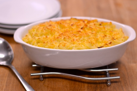 Macaroni Cheese - a step-by-step guide to making this classic dish | theehecticcook.com