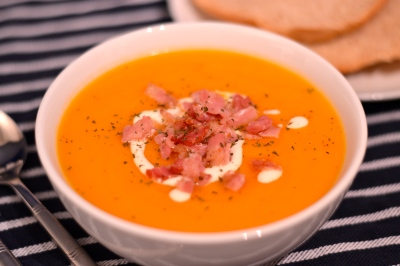 Roasted Butternut Squash Soup - Warming, healthy and delicious, without the need to cut up a squash! | thehecticcook.com