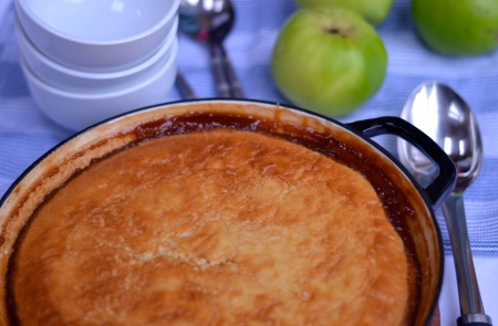 Toffee Apple Puddle Pudding - A magic dish of light fluffy sponge hiding a layer of caramel apples encased in a gooey toffee sauce that bakes right there in the dish! | thehecticcookcom